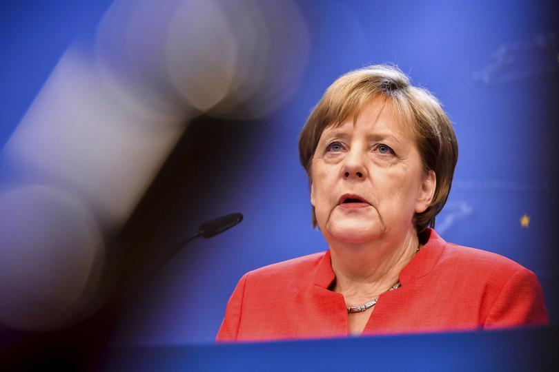 консервативният блок меркел рекордно нисък рейтинг