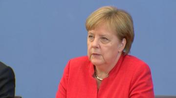 Меркел призова за по-силни икономически връзки с Азербайджан