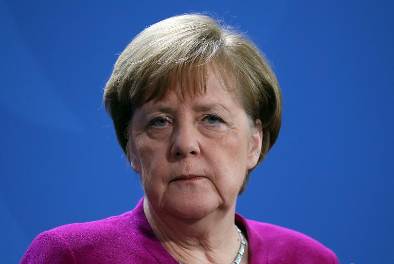 2/3 от германците искат германския канцлер Ангела Меркел да остане