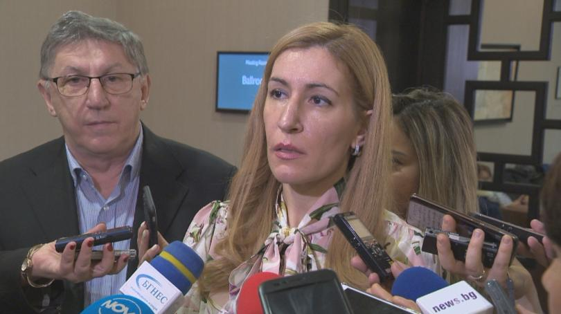 Министърът на туризма Николина Ангелкова заяви, че коронавирусът няма да