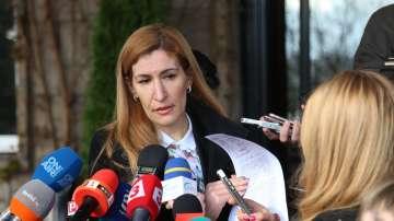 Валери Симеонов обвини министър Ангелкова, че има съмнително изгодно жилище