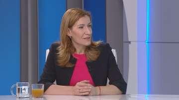 Николина Ангелкова: Очакваме 7-8% ръст на туризма това лято