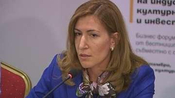 Ангелкова:Забраната за пушене в заведенията не влияе на ръста на туристите у нас