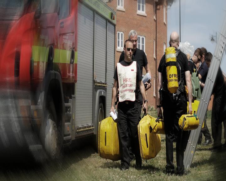 евакуираха жилищен район англия заради опасност взрив пожар