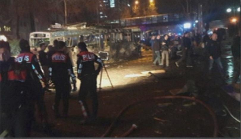снимка 2 Мощна експлозия в центъра на Анкара (СНИМКИ И ВИДЕО)