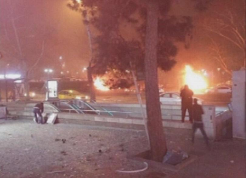снимка 4 Мощна експлозия в центъра на Анкара (СНИМКИ И ВИДЕО)