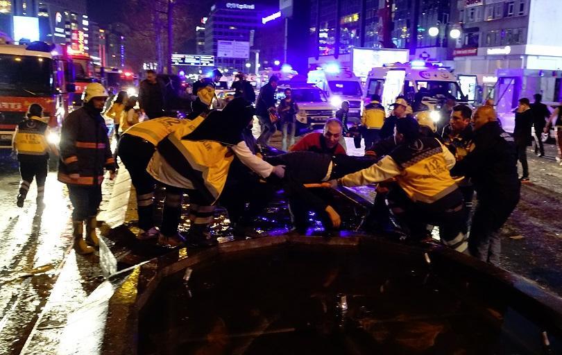 снимка 6 Мощна експлозия в центъра на Анкара (СНИМКИ И ВИДЕО)