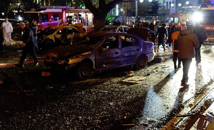 снимка 7 Мощна експлозия в центъра на Анкара (СНИМКИ И ВИДЕО)