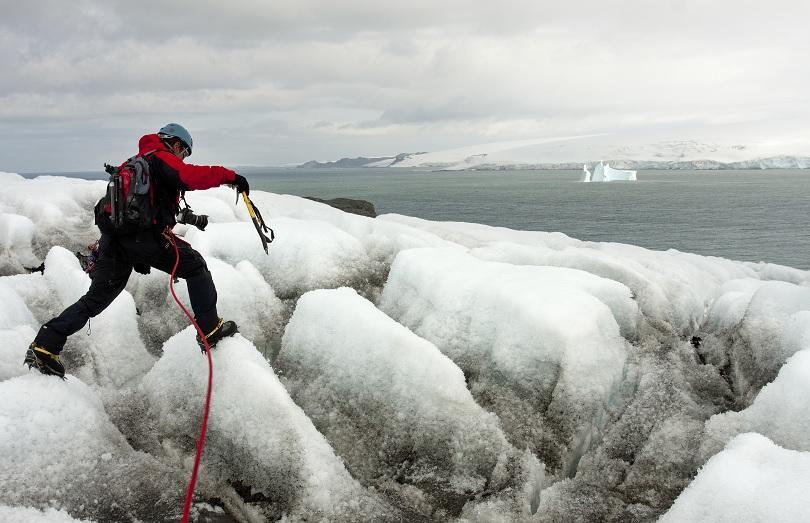 По-малко от месец преди окончателното приключване на 26-та Национална антарктическа