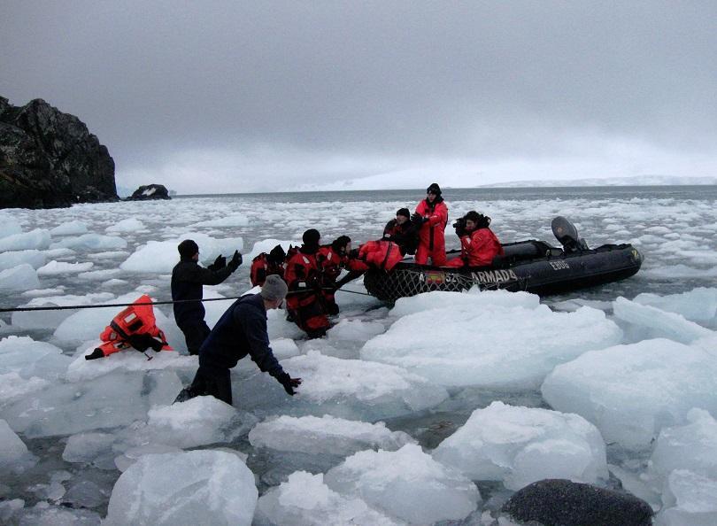 Втората група полярници от юбилейната 25 антарктическа експедиция заседна в Чили