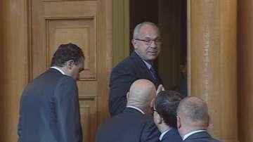 НС прие оставката на Антон Тодоров
