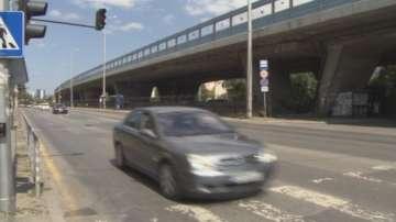Законни ли са автосервизите и паркингите под мостове?