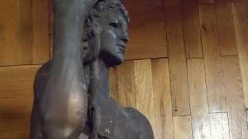 Намериха откраднатата статуя на Аполон Медикус