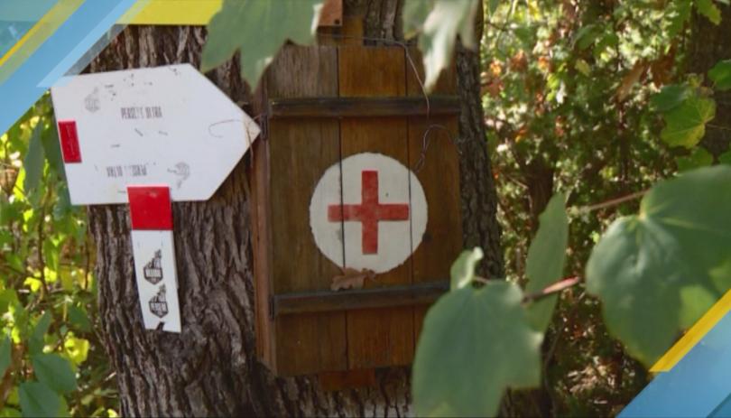 Доброволци заредиха с медикаменти част от аптечките за първа помощ,