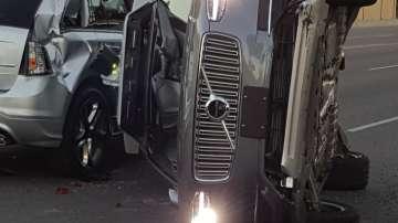 Безпилотен автомобил на Юбер беше ударен при катастрофа в Аризона
