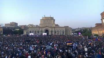 Протестите на опозицията в Армения продължават