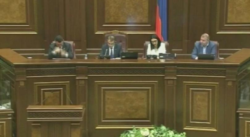 Опозиционерът Никол Пашинян беше избран за премиер на Армения