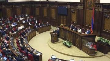 Президентът на Армения подписа указ за разпускане на парламента
