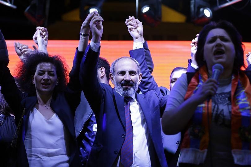 блокът пашинян получава места арменския парламент