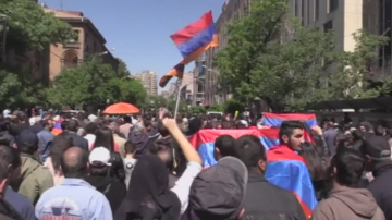 Протестите в Армения продължават въпреки оставката на Серж Саркисян