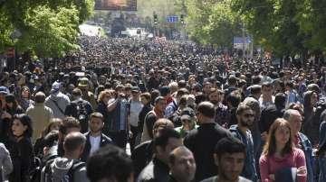 Масовите протести в Армения продължават