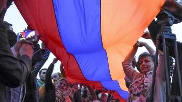 Продължават протестите в Армения срещу избора на бившия президент за премиер