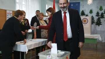 Предизборният блок на Никол Пашинян води на изборите в Армения