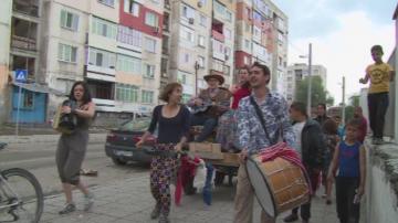 Над 200 странстващи артисти гостуват в три квартала на Пловдив