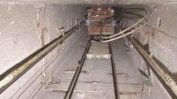 Пострадалите при падане на асансьор в София не са в тежко състояние