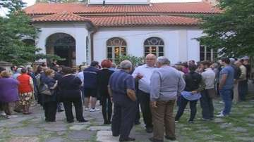 В Асеновград все още настояват за отстраняването на Пловдивския митрополит