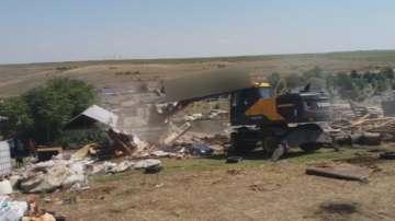 16 незаконни постройки в ромската махала в Асеновград вече са премахнати