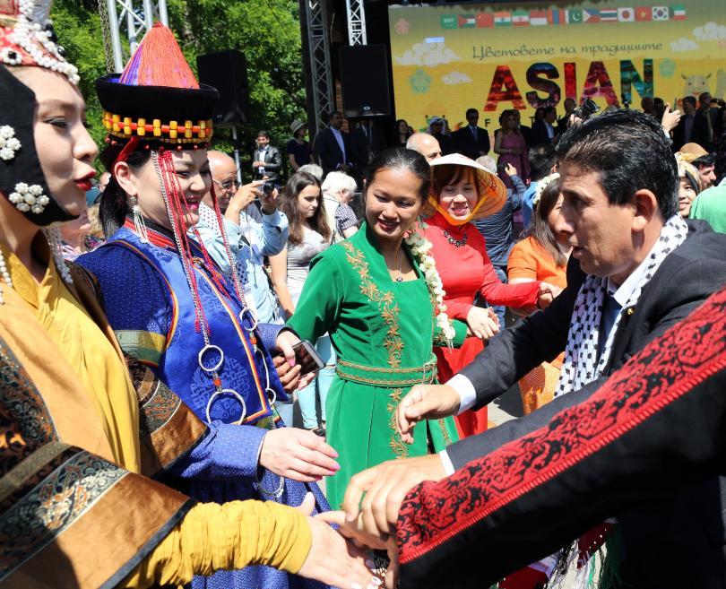 снимка 3 Румен Радев: Азиатските страни са естествен партньор на България (СНИМКИ)