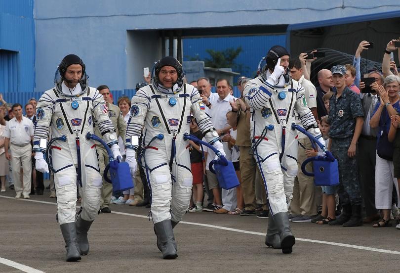 Новият екипаж пое към МКС в деня на стъпването на Луната