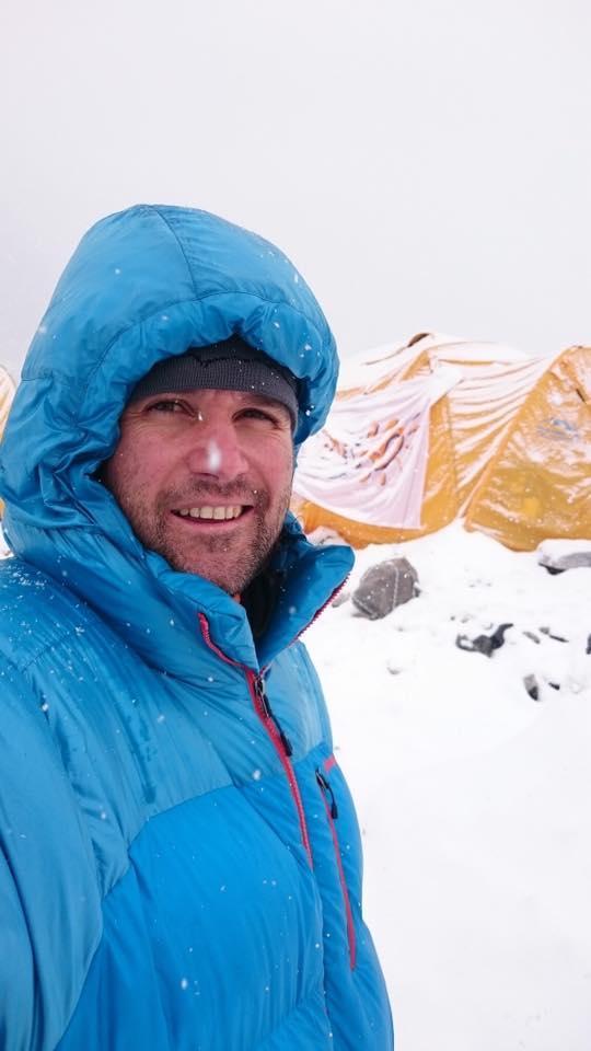 снимка 3 Атанас Скатов покори най-високите върхове на всички континенти