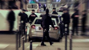 Френски гражданин от чеченски произход е нападателят от Париж