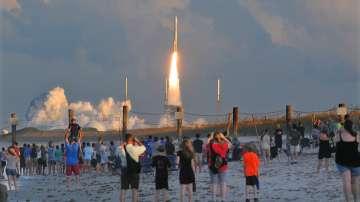 НАСА изстреля първия си космически апарат за връщане на проби от астероид