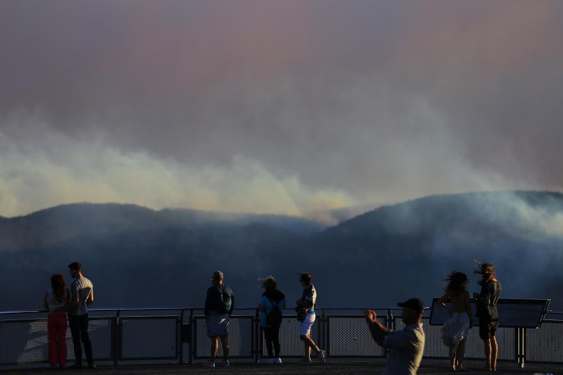 Горските пожари в Австралия продължават да се разрастват. Цялото крайбрежие