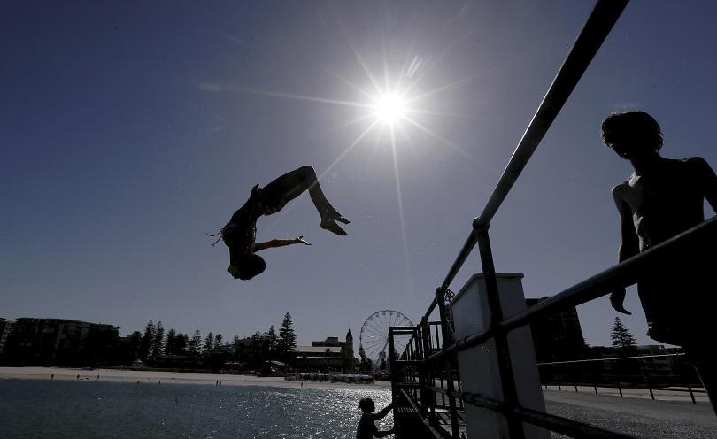 Австралия преживя най-горещия януари, регистриран някога в страната, със средна
