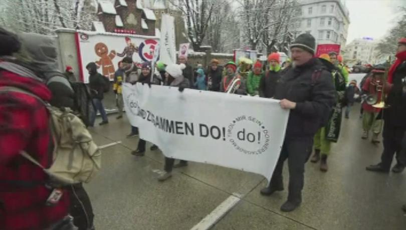 Десетки хиляди излязоха на демонстрации по улиците на Виена, близо
