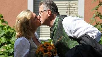 Външният министър на Австрия каза Да на любимия си, Путин поздрави булката
