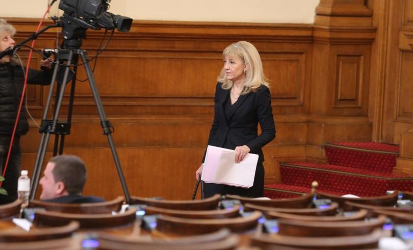 Аврамова: Цената на водата ще остане социално поносима