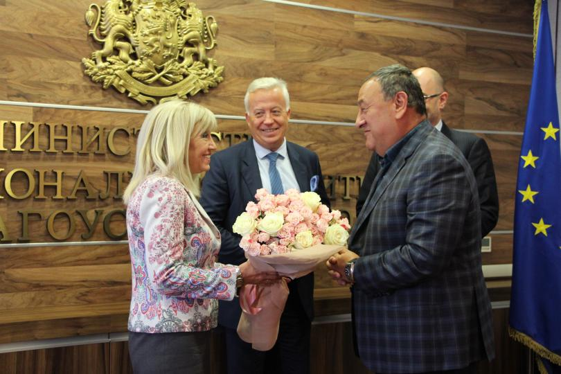 снимка 1 Министър Петя Аврамова: Стартираме проекти за 3 млрд. лв.