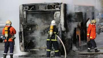 Автобус от градския транспорт горя на Орлов мост (ВИДЕО)
