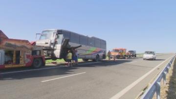 Автобус с деца се запали на магистрала Тракия