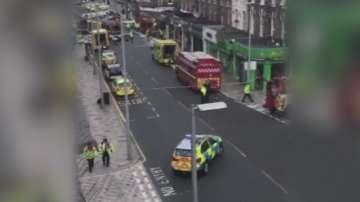 Автобус се вряза във витрина на магазин в Лондон