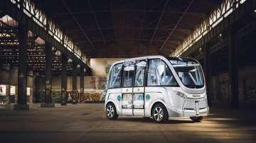 Автобус без шофьор ще вози виенчани
