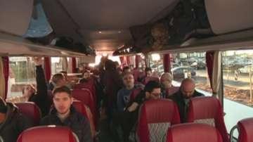 Кмет от Бавария закара с автобус бежанци пред канцлерството в Берлин