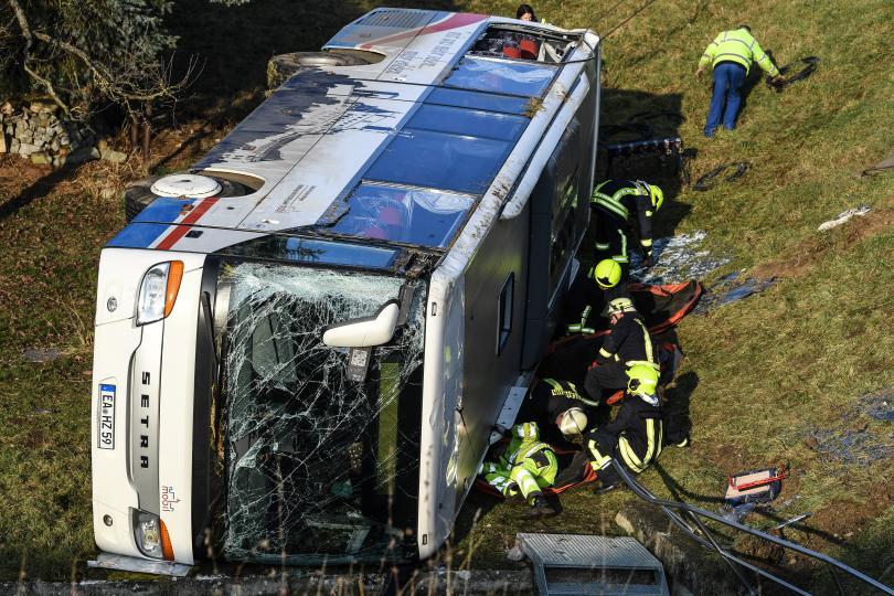 Две деца загинаха, а други пет са тежко ранени при