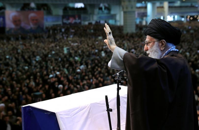 снимка 2 Аятолах Хаменей с първа проповед от 8 години