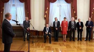 Президентът Радев удостои с държавни отличия дейци на културата и изкуството